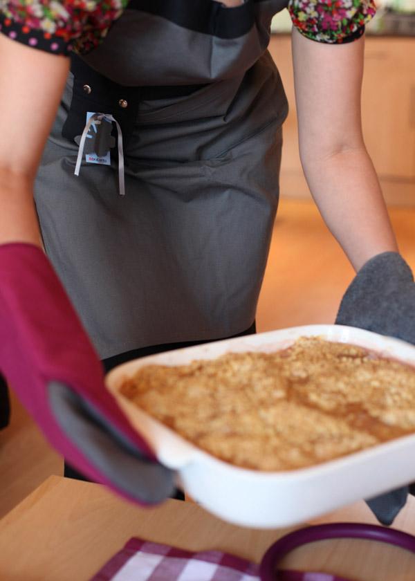 Brabantia Get Together range apron and pan coasters