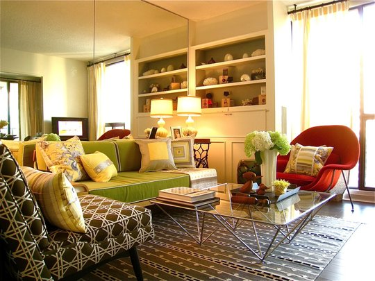 Livingroom makeover as seen on Apartment Therapy