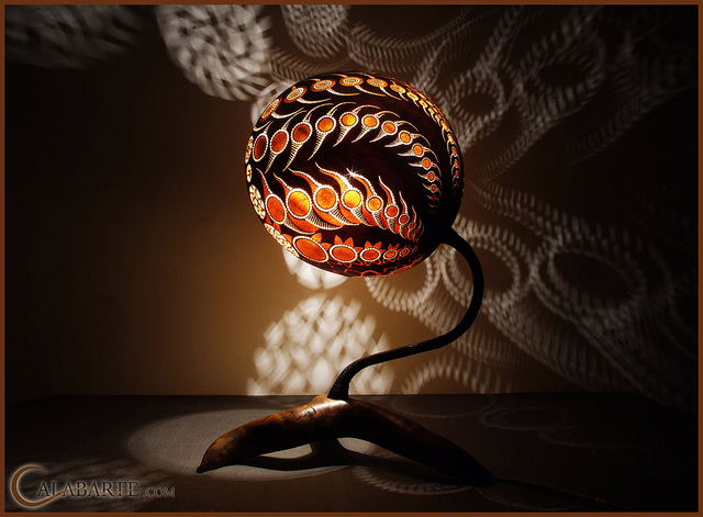 Standing gourd lamp XI by Calabarte