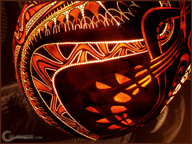 Standing gourd lamp XII by Calabarte