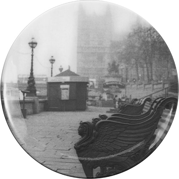 The-Embankment plate from the Love London Collection by Barbara Chandler