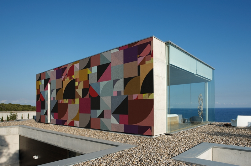 Bauhaus outdoor wallpaper by Wall and Deco